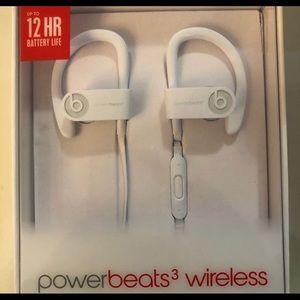 BRAND NEW AUTHENTIC powerbeats 3